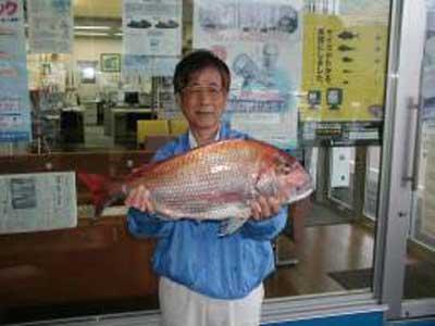 2009年5月4日(月)マダイの69cmを釣られました
