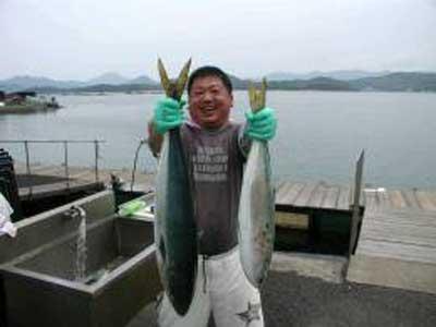 2009年5月5日(火)ブリの84cmを釣られました