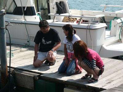 2008年9月10日(水)デッキ下を見て何の説明ですか?河原先生!