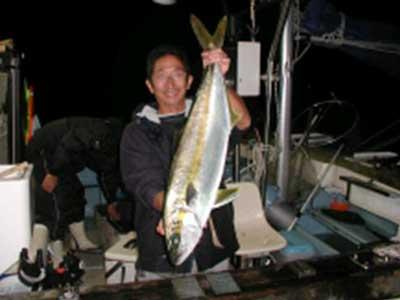 2008年11月2日(日)マリーナより出船されヒラマサの85cmを釣られました