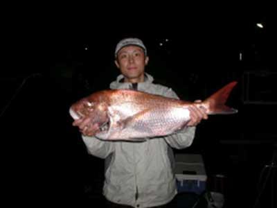 2008年11月16日(日)マリーナより出船されマダイの74cmを釣られました