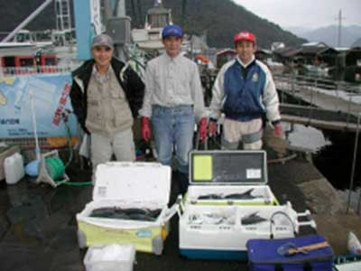 2009年1月18日(日)メダイの40cmとサバの40cmとアジの38cmを釣られました