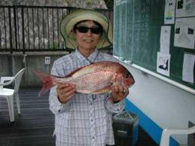 2009年9月21日(月)鯛の49cmを釣られました