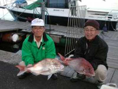 2009年12月8日(火)マダイの73cmを釣られました