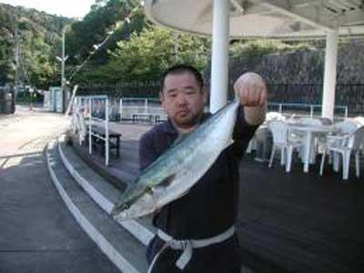 2010年4月25日(日)ハマチの65cmを釣られました
