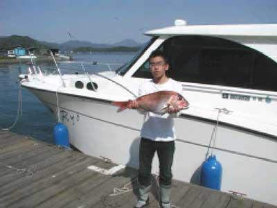 2010年5月2日(日)鯛の62cmを釣られました