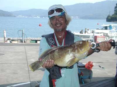 2010年8月20日(金)若狭湾でアオハタの50cmを釣られました