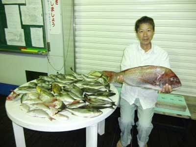 2010年9月19日(日)若狭湾で鯛の75cmを釣られました