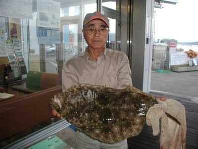 2010年10月2日(土)若狭湾でヒラメの78cmを釣られました