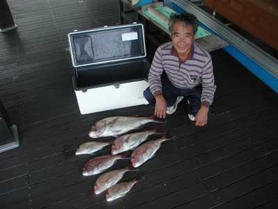 2010年10月13日(水)若狭湾で鯛の72cmを釣られました