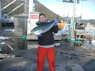 2011年1月8日(土)若狭湾でブリの90.1cmを釣られました