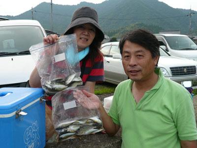 2008年9月13日(土)舞鶴は吉田の筏でアジを釣られた亀井様ご夫婦です