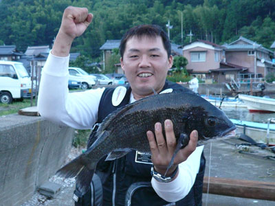 2008年9月13日(土)舞鶴は吉田で年無しのチヌを釣られた渡辺様です