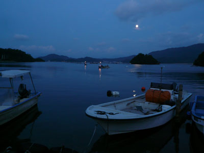2008年9月14日(日)舞鶴は吉田の筏より日も暮れた夕刻に帰港です