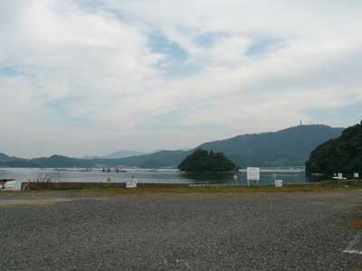 2008年10月17日(金)舞鶴は吉田の駐車場に車は一台もいません