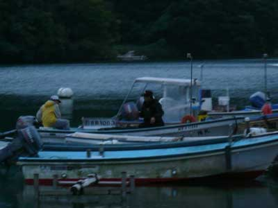2008年10月26日(日)舞鶴は吉田の筏より夕方に帰港です