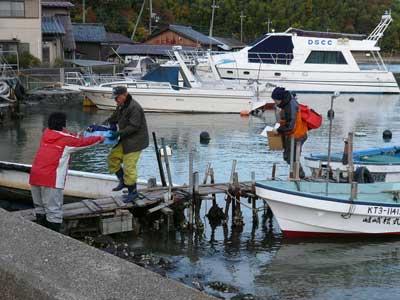 2008年11月22日(土)舞鶴は吉田の筏より1組目の方々が帰港です