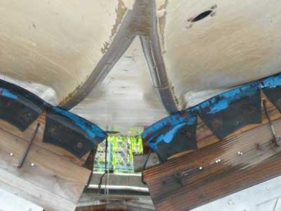 板を貼れば船底に入っている補強剤材を取る必要がある