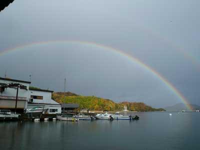 2008年11月30日(日)弁天島の方を見れば綺麗な虹がかかっていました