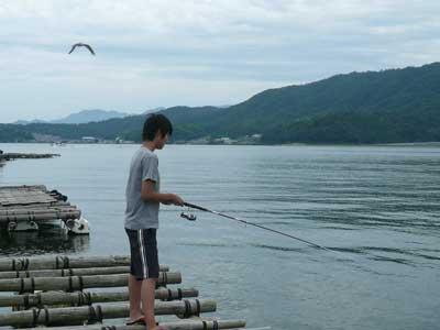 2009年8月15日(土)一番のお姉さんは投げ釣りで地球を釣っていました