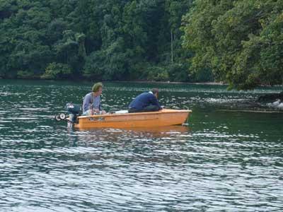 2009年9月13日(日)マイボートで何時もキスを釣りに来られる方です