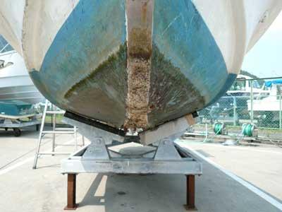 2010年8月15日(日)未塗装でもあるステンレスの船首下のベース板です