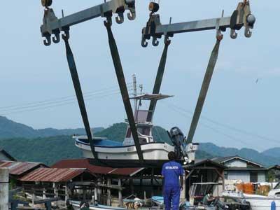 2010年8月15日(日)船の検査と船外機の整備と塗装を完了して頂きました