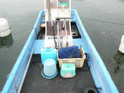 2010年11月23日(火)和船全体の荷台部にゴムマットが敷けました